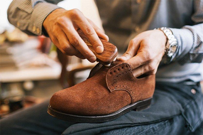чистка замшевой обуви своими руками