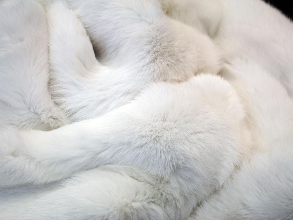 чистый белый мех