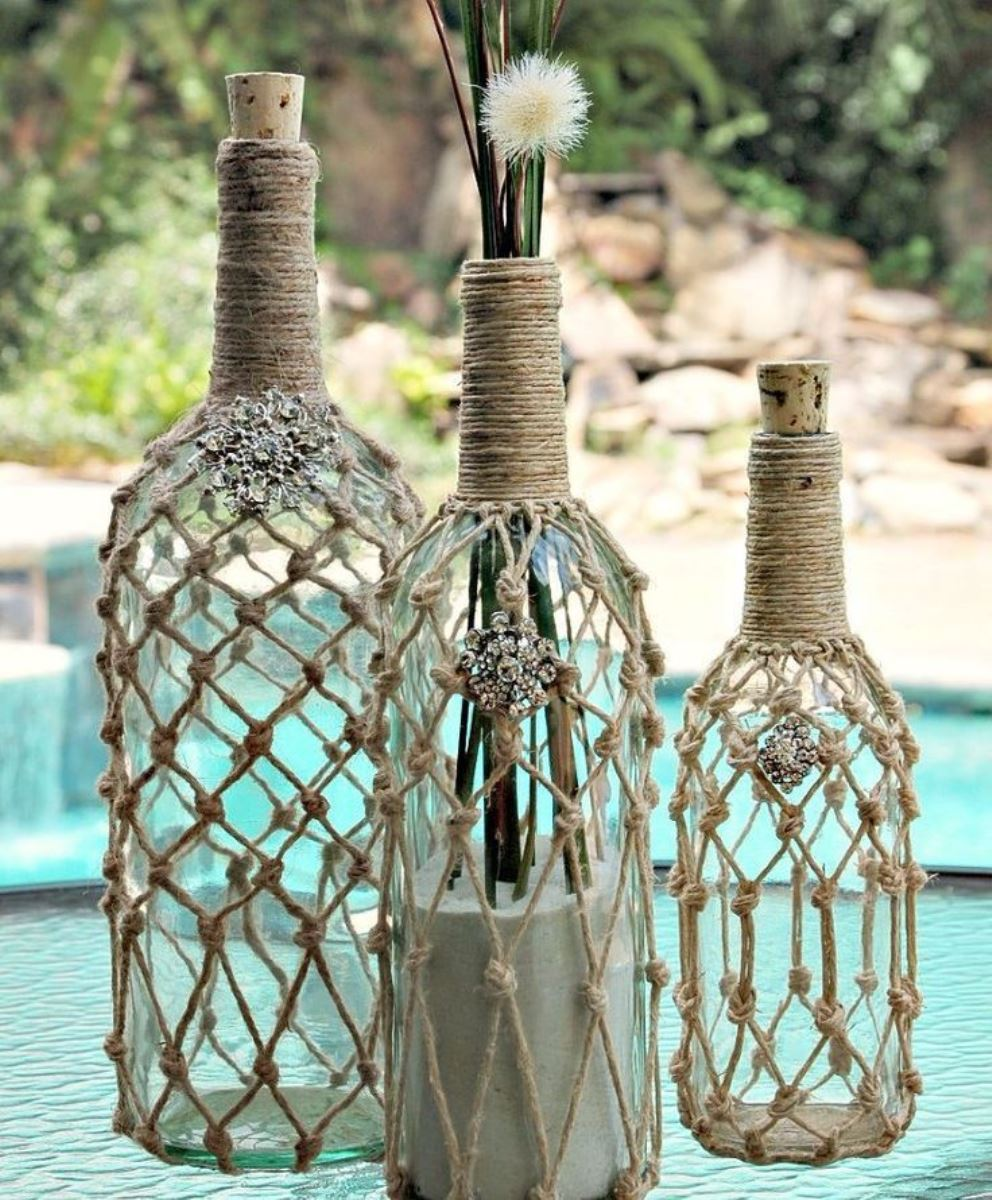 декор бутылок веревкой