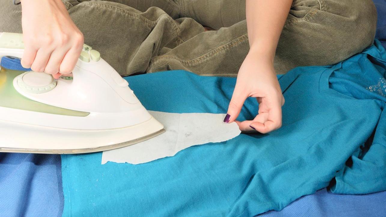как убрать смолу с одежды идеи