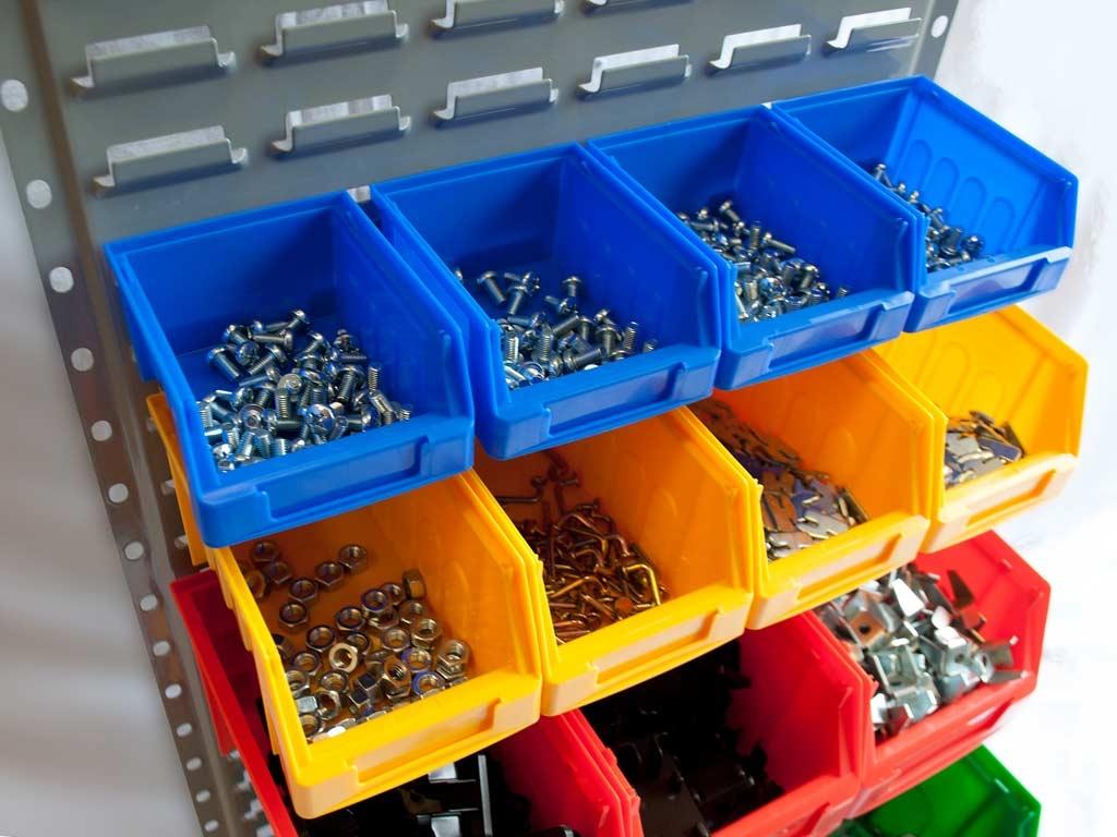 контейнеры из пластика для товара в магазине