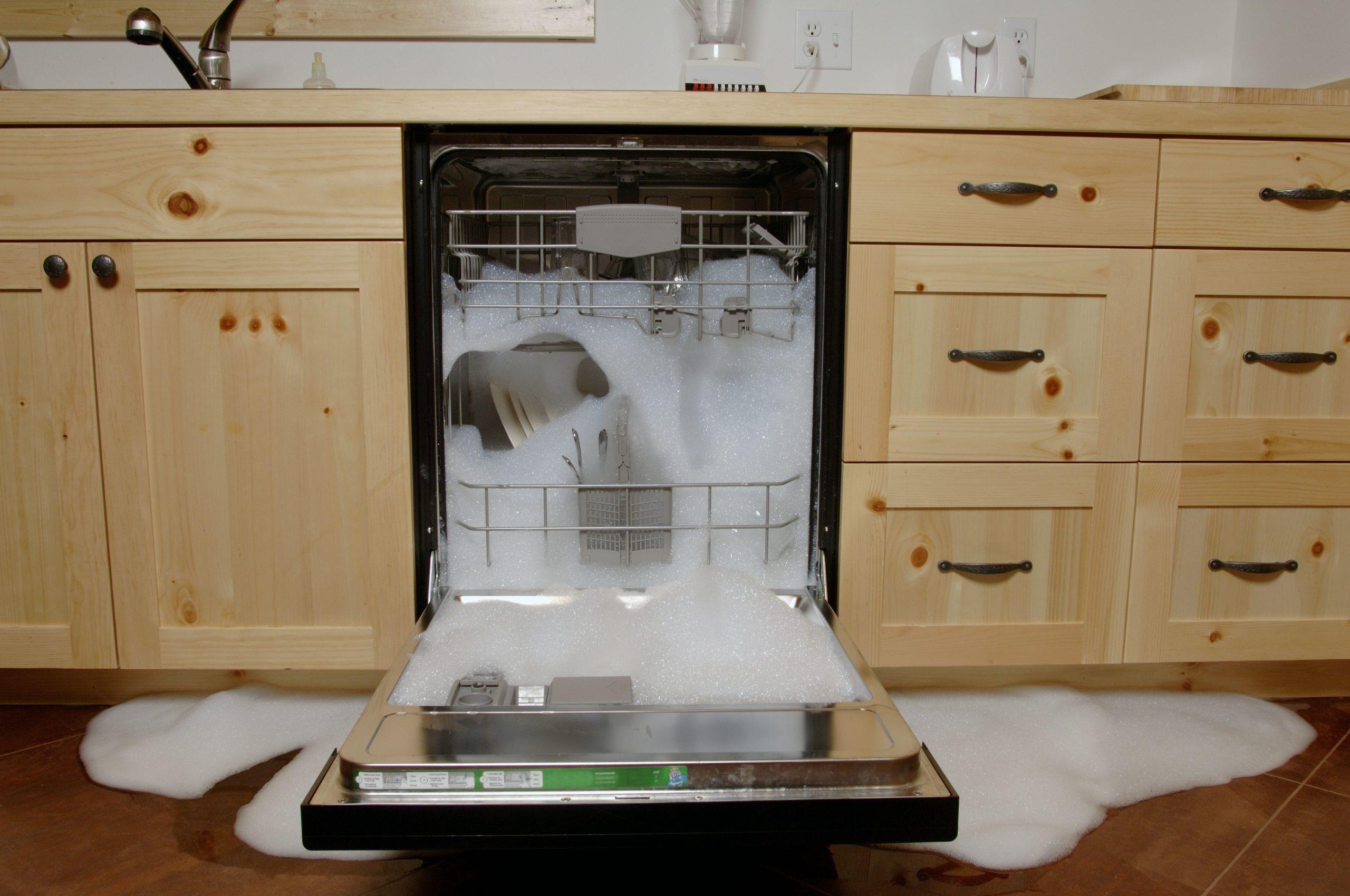 неправильная установка посудомоечной машины