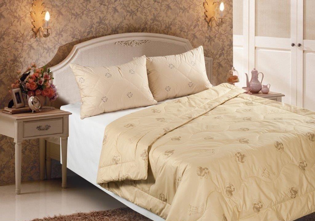 верблюжье одеяло в спальне