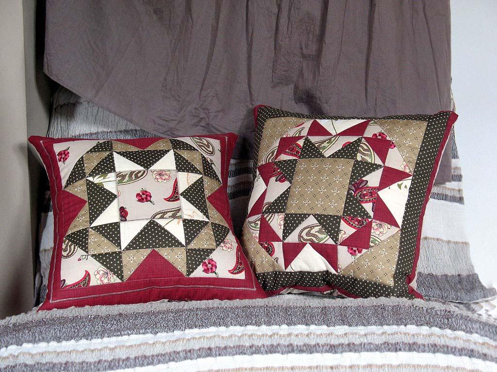 подушки в стиле печворк