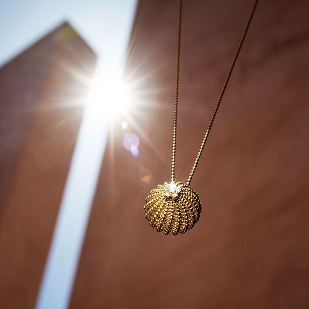 золото на солнечный свет