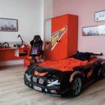 черно-красная кровать-машина для мальчика