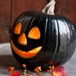 чёрная тыква на хэллоуин
