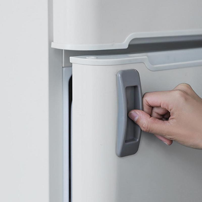 чистая дверца холодильника