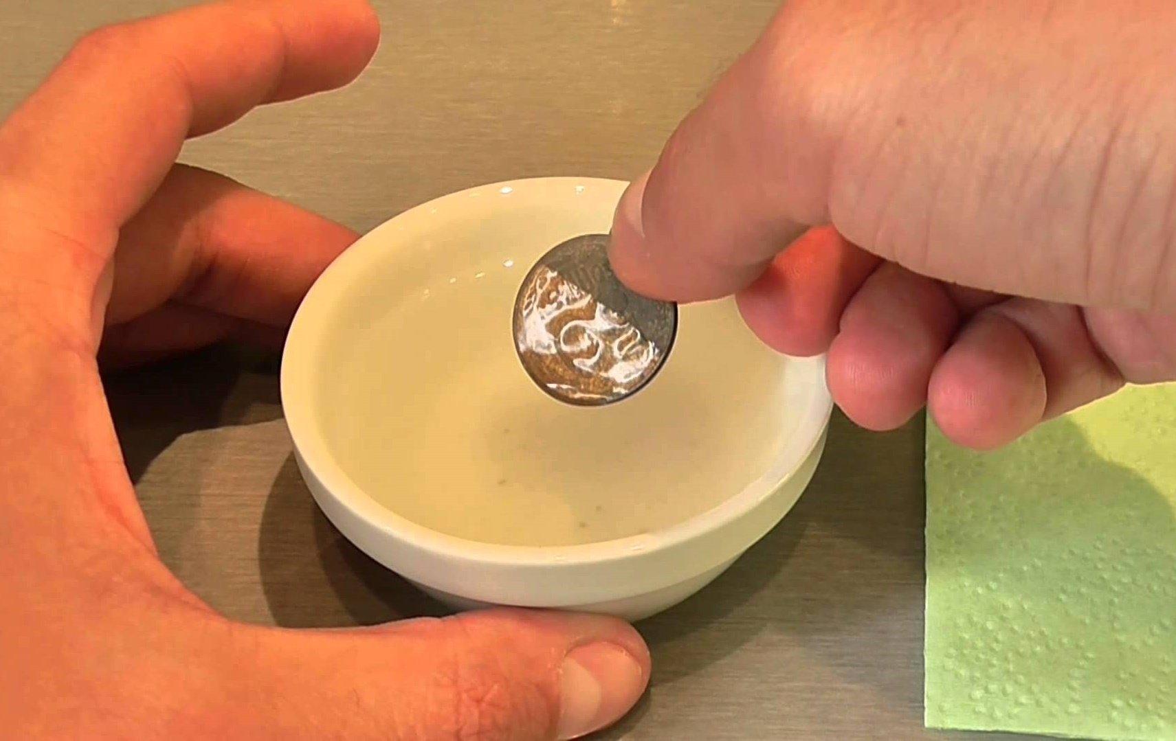 чистка монет маслом