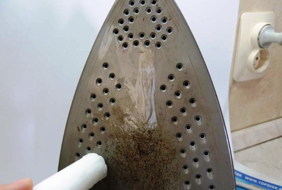 чистка утюга парафином