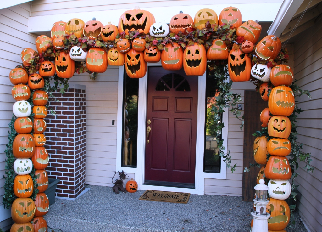 декор дома на хэллоуин идеи фото