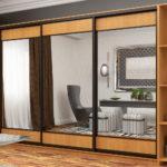 дизайн шкафа-купе с большими зеркалами
