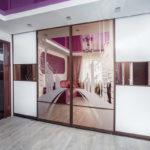 дизайн шкафа-купе фиолетовый
