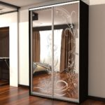 двери для шкафа купе из зеокала