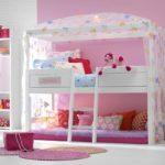 кровать-чердак с диваном для девочки
