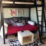 кровать-диван в гостинной
