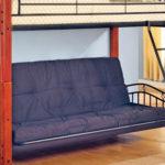 кровать-чердак с диваном серым