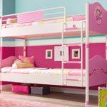 розовая двухярусная кровать для девочки