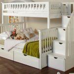 белоснежная кровать для девочки
