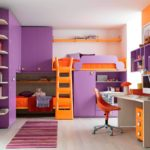 оранжево-сиреневая кровать для девочки