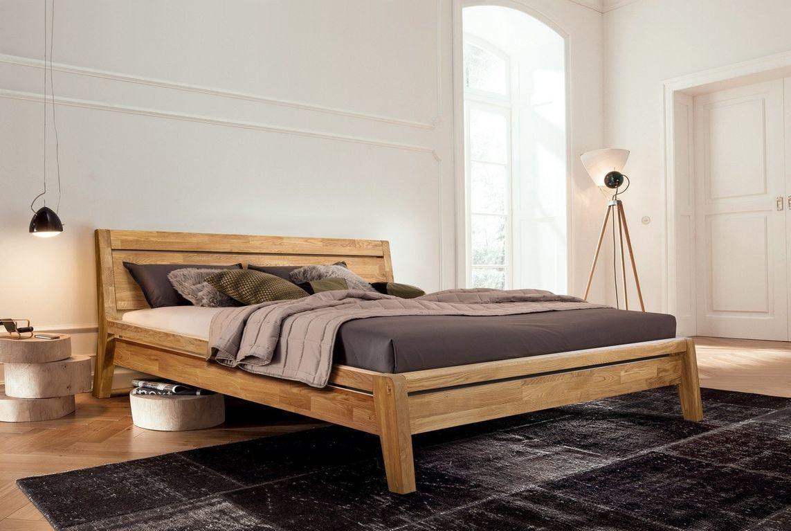 двуспальная кровать из массива для спальни