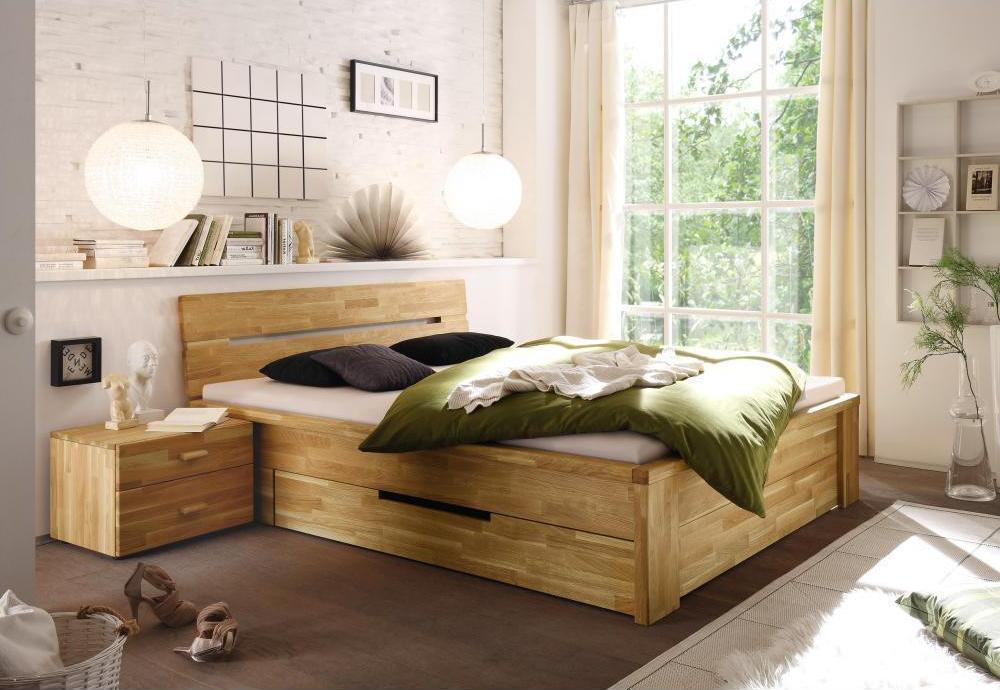 двуспальная кровать из массива сосны