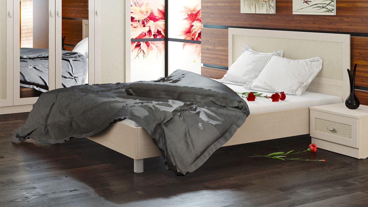 двуспальная кровать из массива светлая