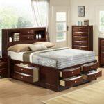двуспальная кровать с ящиками идеи декора