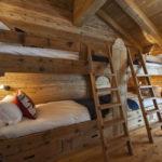 двуспальные кровати из массива дерева фото декор