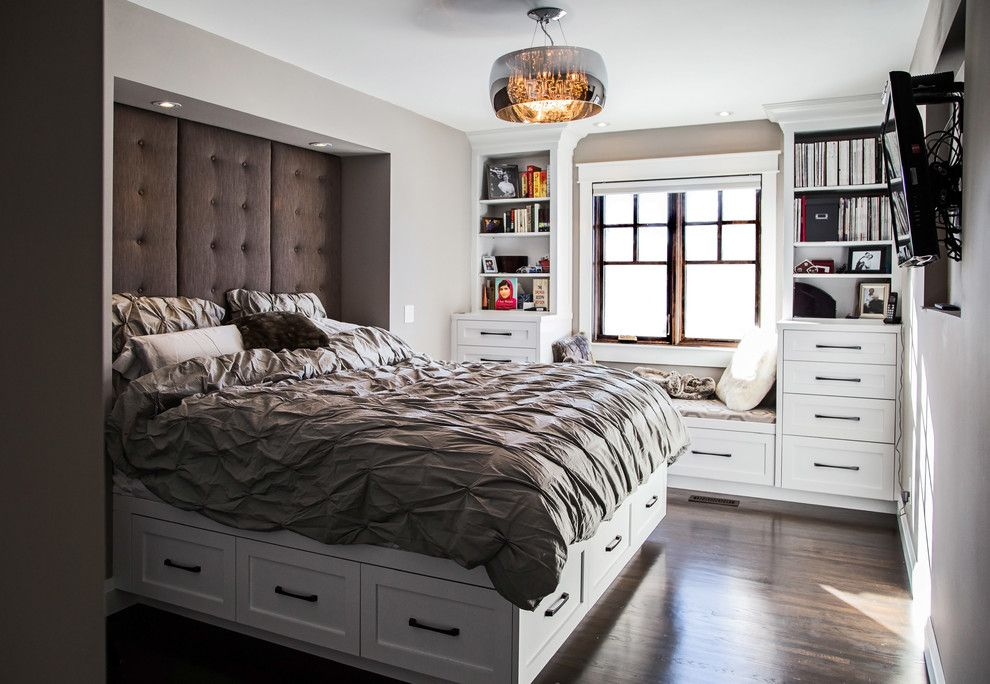 двуспальные кровати с ящиками в спальне