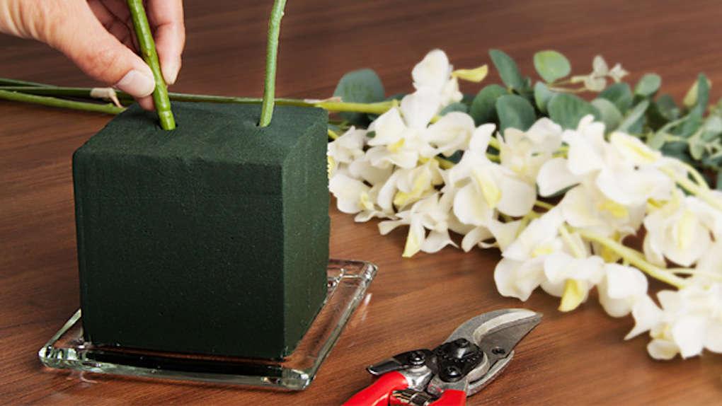 флористическая губка с цветами