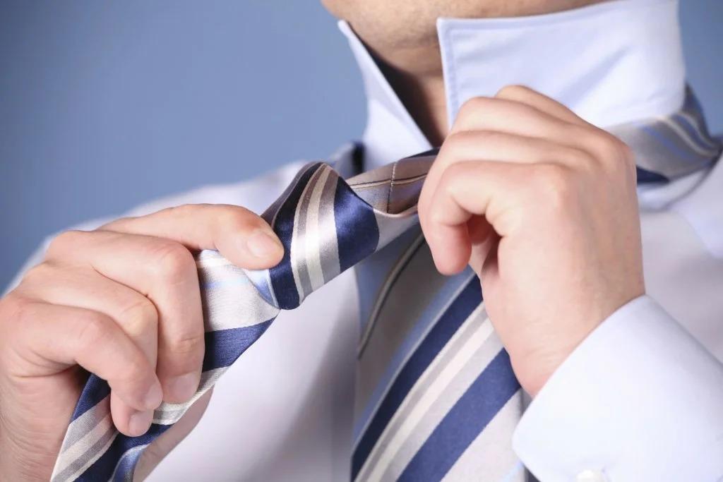 глажка галстука