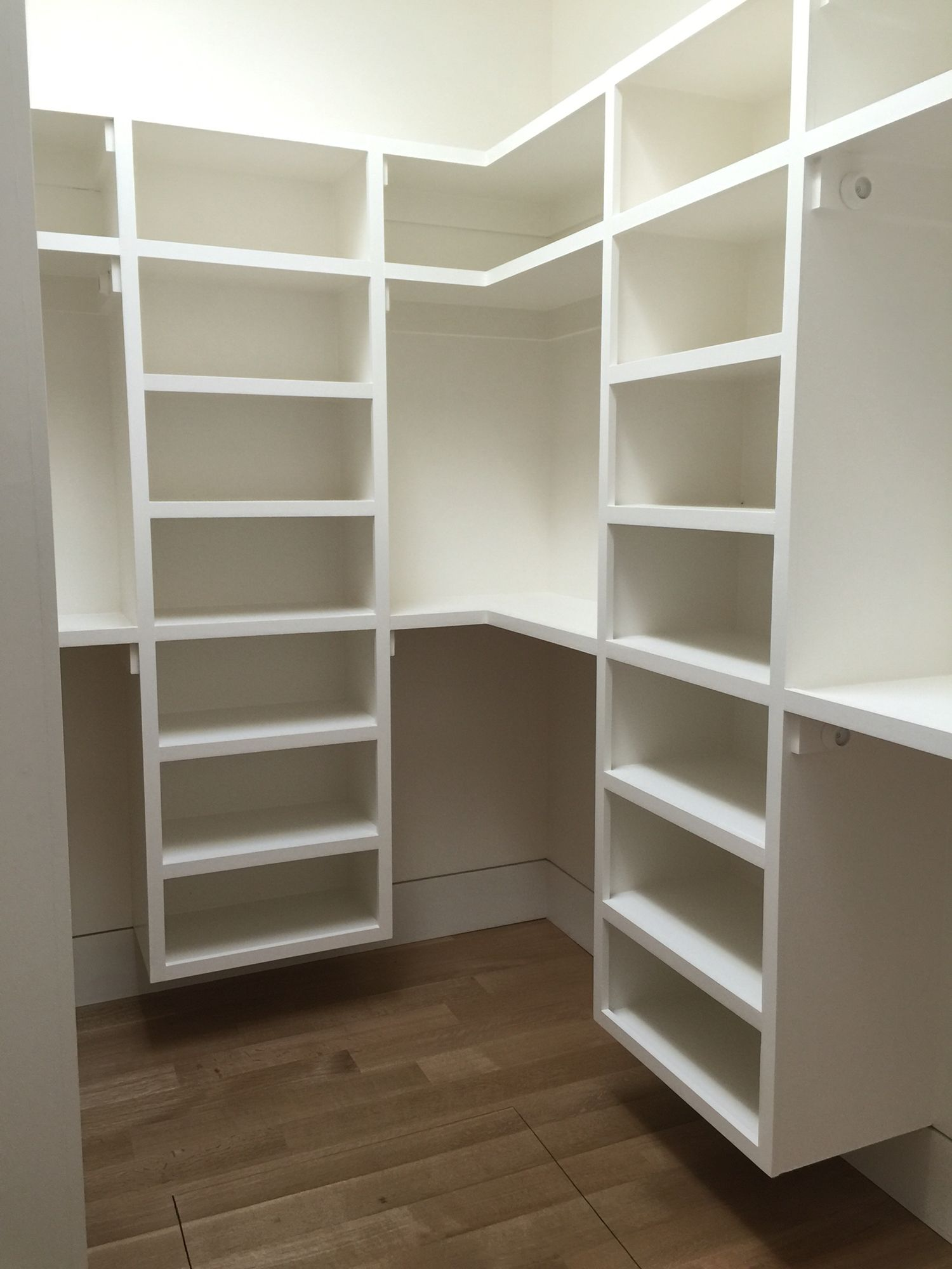 шкаф из гипсокартона белый