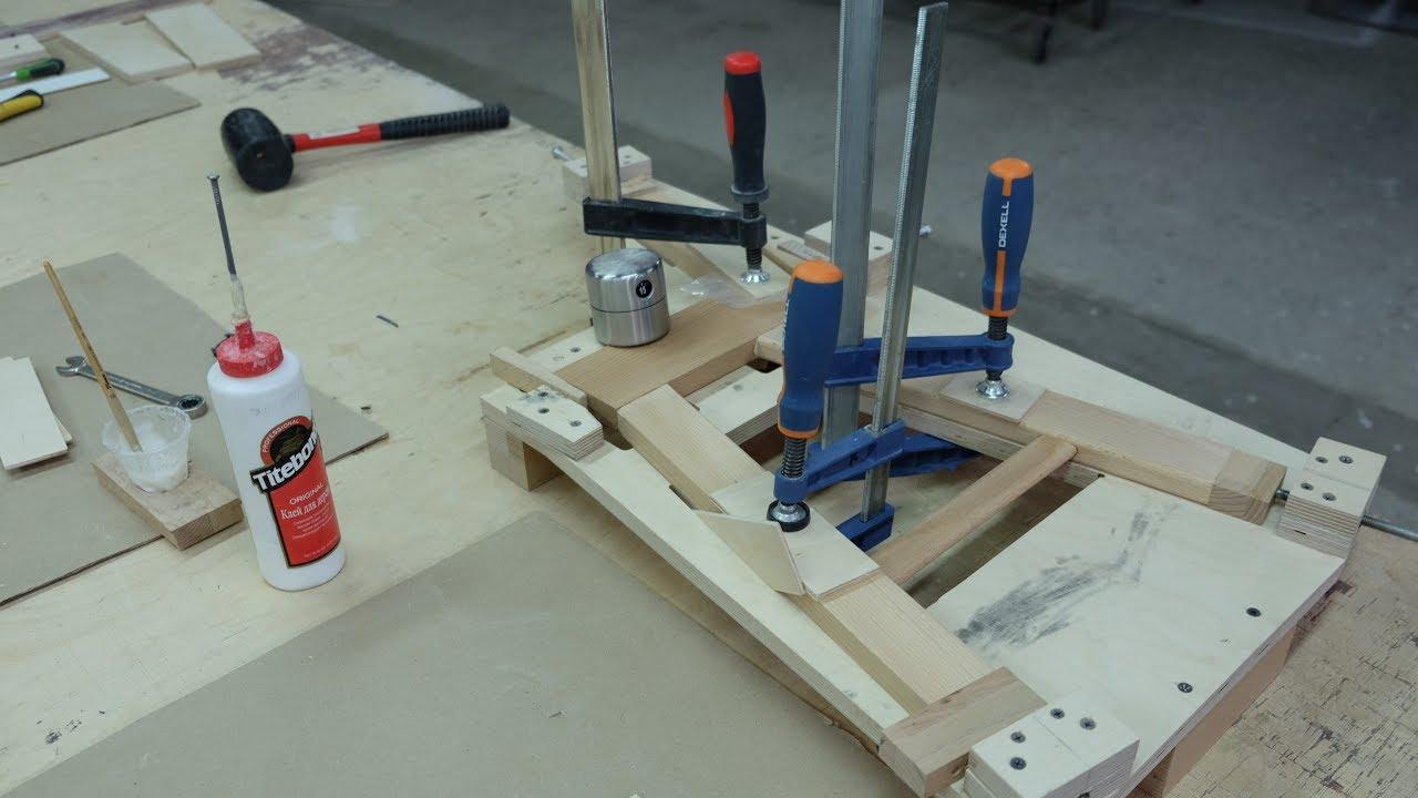 инструменты для склейки стула
