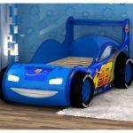 спортивная синяя кровать-машина для мальчика