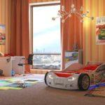 белая кровать-машина для мальчика