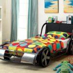 цветная кровать-машина для мальчика