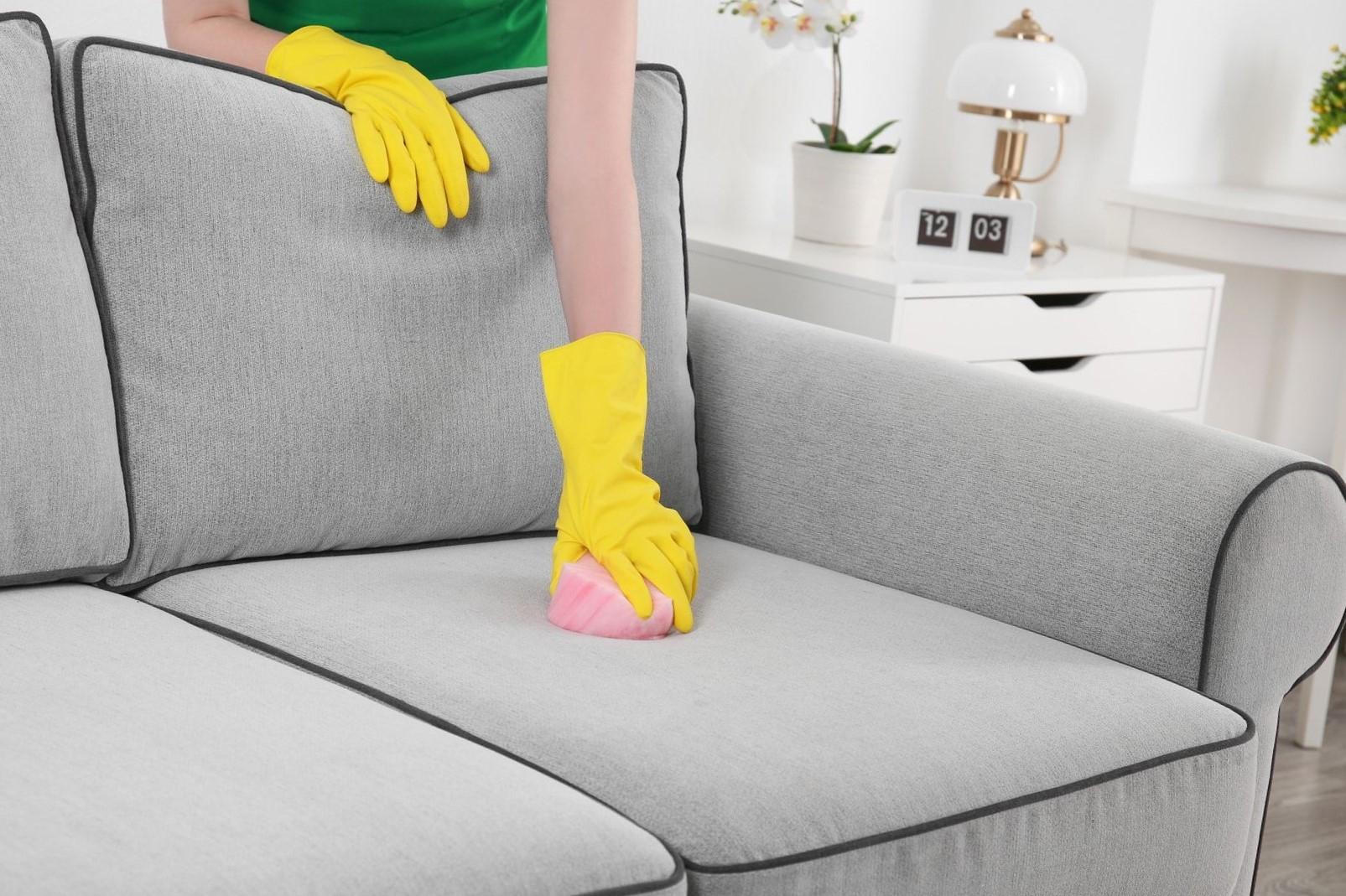 как почистить диван от сока
