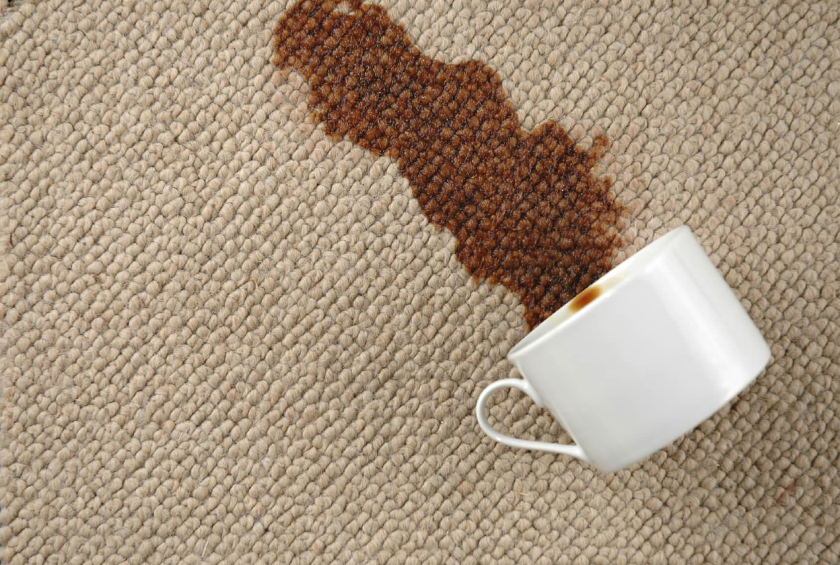 очистка дивана от кофе