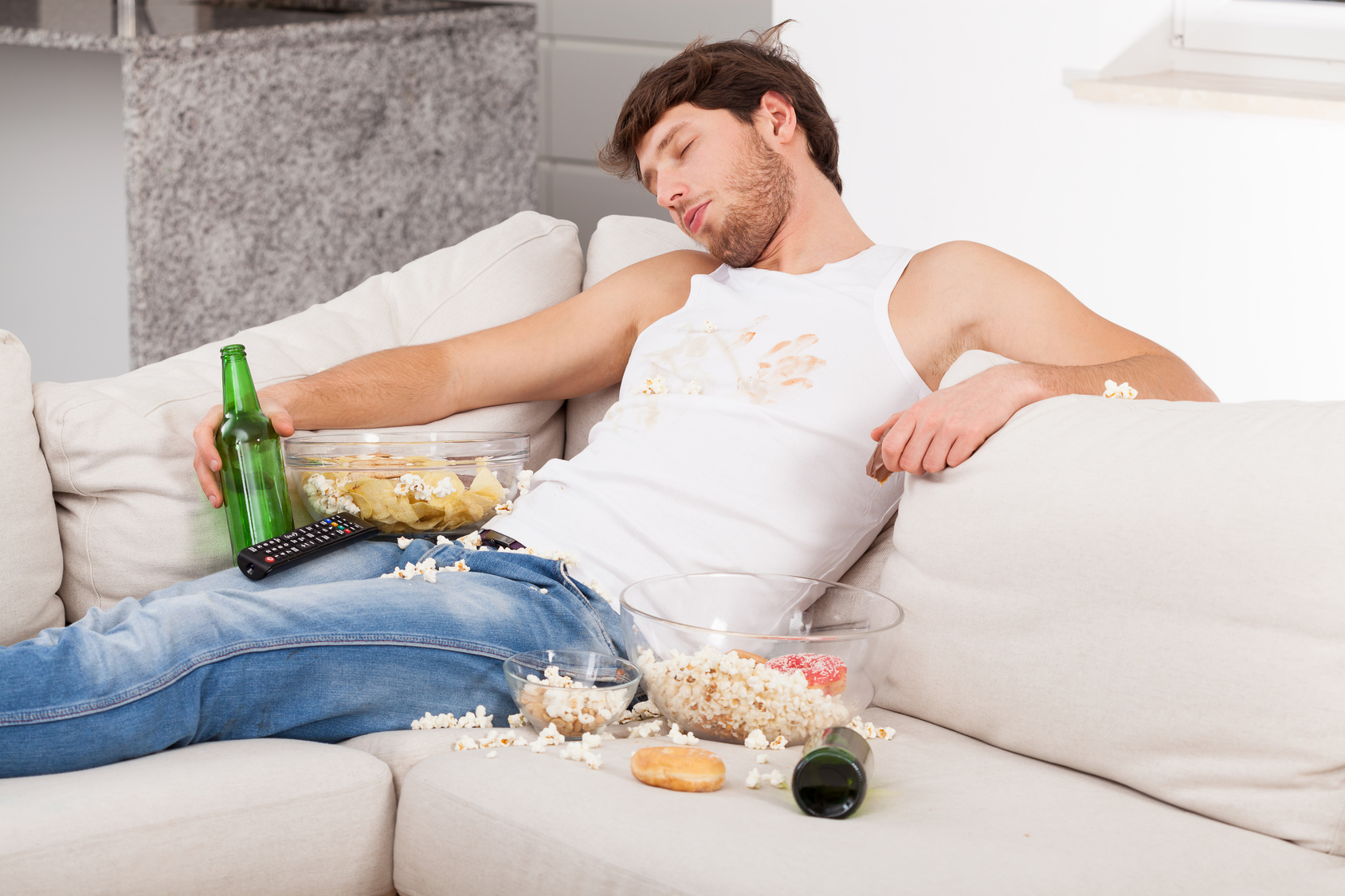 как почистить диван от пива