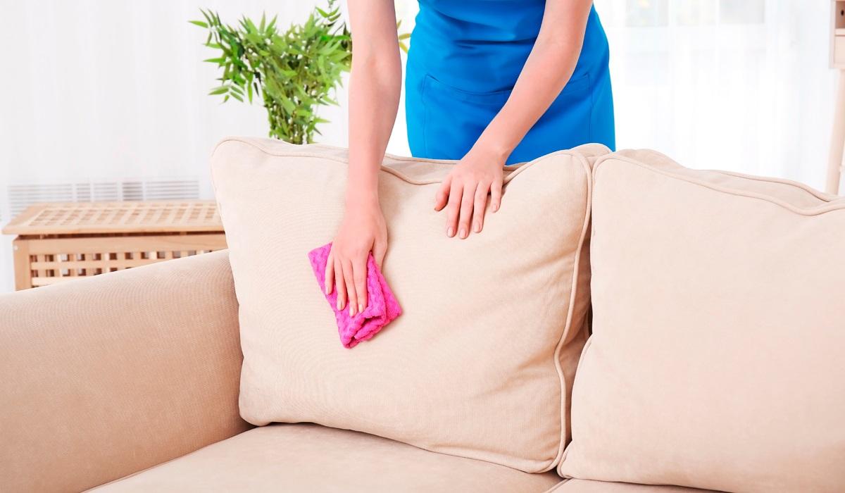 как почистить мягкую мебель нашатырным спиртом