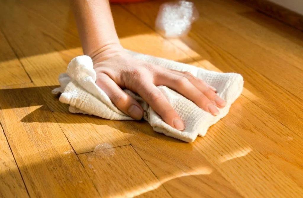 как помыть пол из дерева