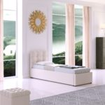 кровать узкая с солнцем