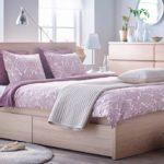 кровать светло розовая