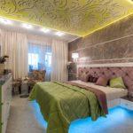 кровать с синей подсветкой