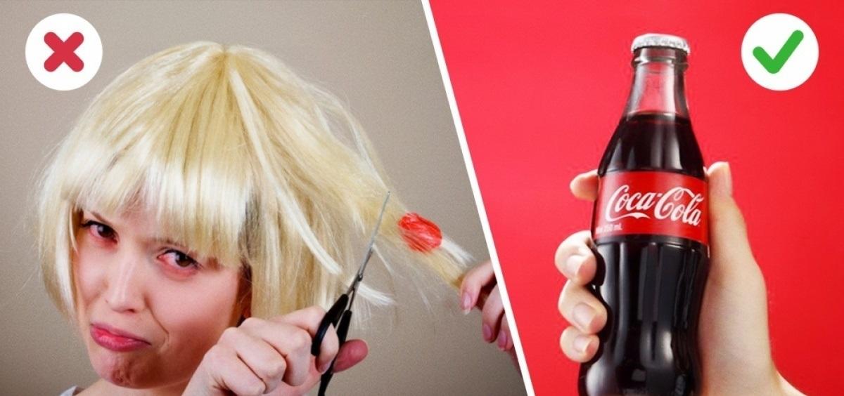как убрать жвачку с волос колой