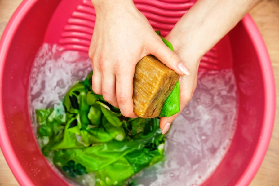 как вывести жирное пятно мылом