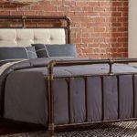 кованая кровать оформление