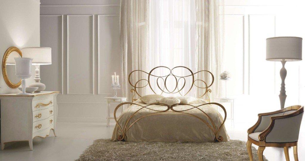 кованые кровати позолоченные
