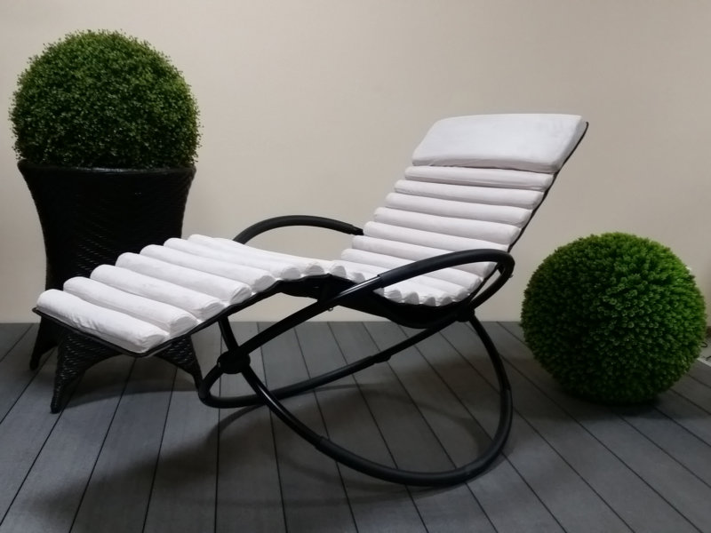 кресло качалка из металла